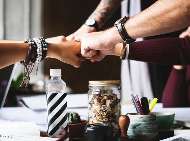 Bracelets Collaboration Colleagues 398532