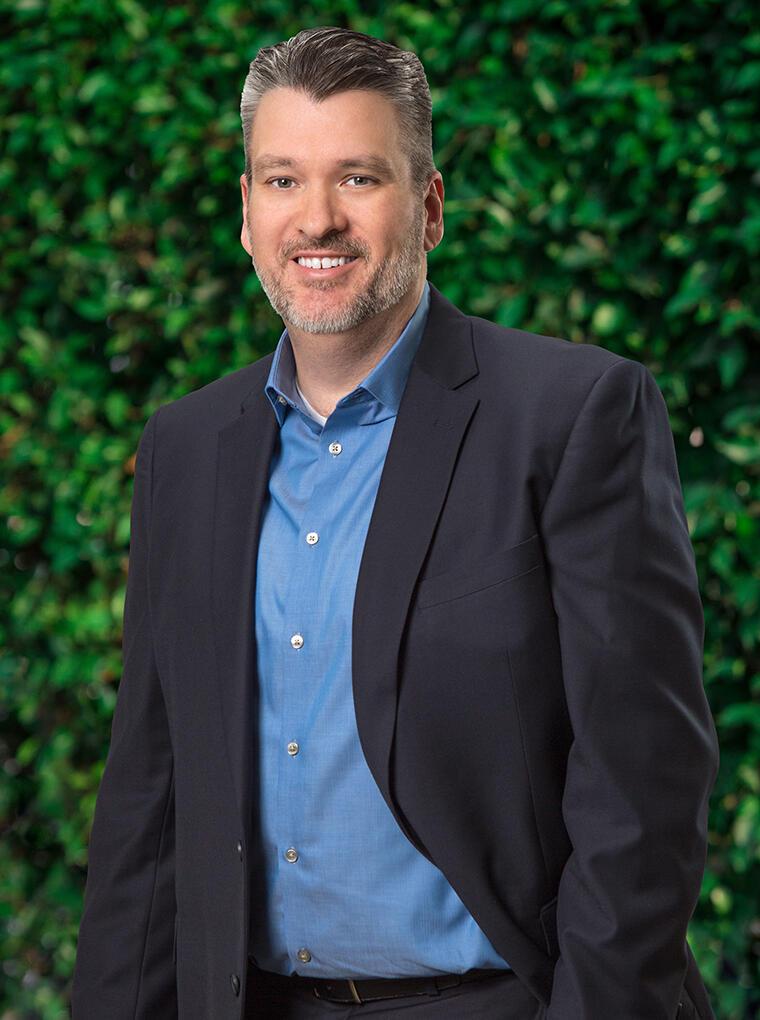 Andrew Holoubek